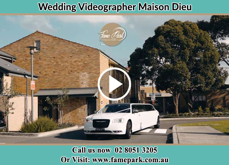 The wedding car Maison Dieu NSW 2330